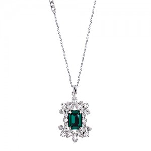 [롱목걸이]Crystal Blossom Emerald Necklace